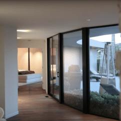 Backyard Kitchen Designs Sinks Houzz 444万美元把马斯克的洛杉矶豪宅买回家 设计 3000平方英尺的房子采用宽敞的开放式设计 比如厨房与客厅相连 滑动玻璃门通向游泳池 彩绘砖墙让人有一种身处户外之感 即便实则仍在室内
