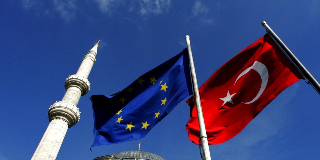 Немски евродепутат иска ЕС да отнеме кандидатския статут на Турция
