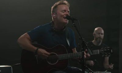 Video: Chris Tomlin - Nobody Loves Me Like You