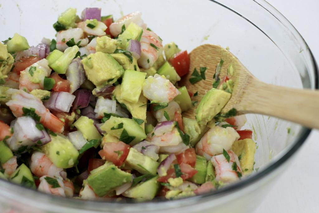 Super easy Shrimp Avocado salad! Everyone LOVED it! | 5dinners1hour.com