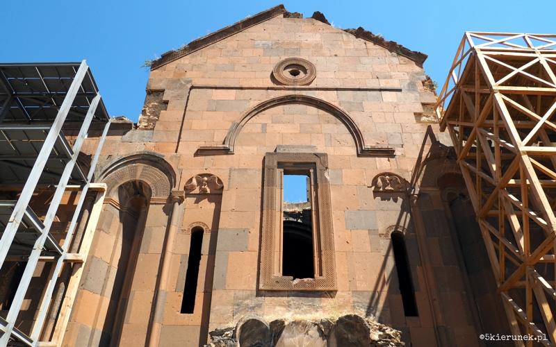 Zwiedzanie ruin miasta Ani - Katedra Matki Bożej - Piąty Kierunek02