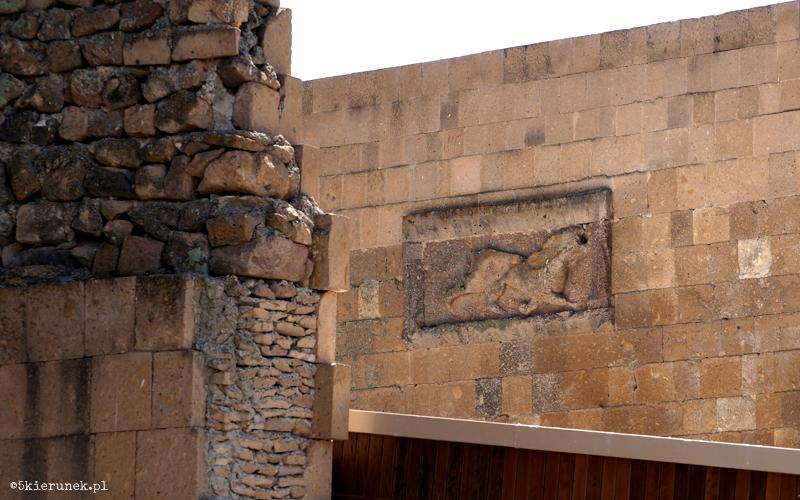 Zwiedzanie ruin miasta Ani - mury obronne - Piąty Kierunek02