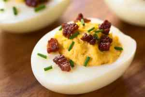 Bacon Deviled Eggs - 5 Minute Life