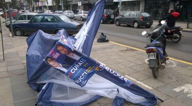 Ituzaingó: Agresión a militantes de Carlos Acuña
