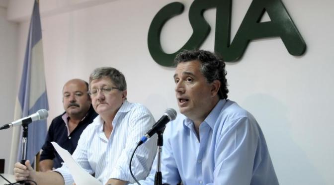"""Mesa de enlace: """"cese de comercialización de granos y ganado"""""""