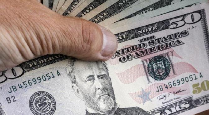 Un funcionario de Macri decidió el precio al que iba a cobrar el dólar futuro