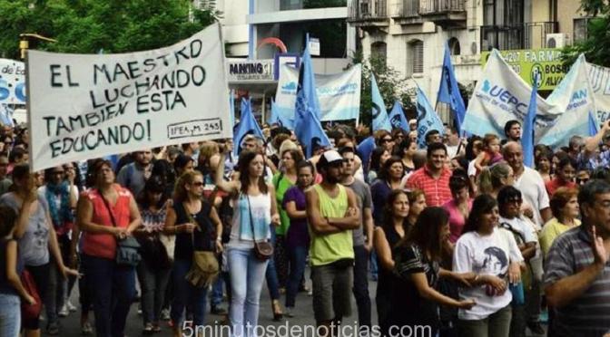 Córdoba: Gremios marcharon por reapertura de paritarias