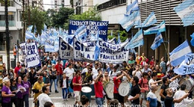 Rosario: por el descanso dominical piden a supermercados que no despidan