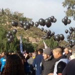 Mendoza: globos negros ante la visita del Presidente Macri