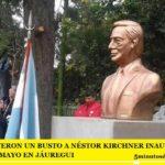 ESTA MADRUGADA DESTRUYERON UN BUSTO A NÉSTOR KIRCHNER INAUGURADO EL 25 DE MAYO EN JÁUREGUI