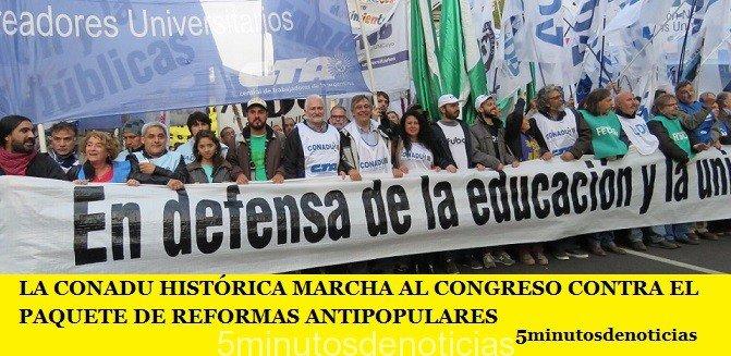 LA CONADU HISTÓRICA MARCHA AL CONGRESO CONTRA EL PAQUETE DE REFORMAS ANTIPOPULARES