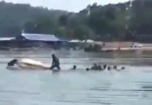 Perahu Terbalik di Kedung Ombo Boyolali Jawa Tengah