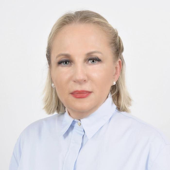 Лара Левин