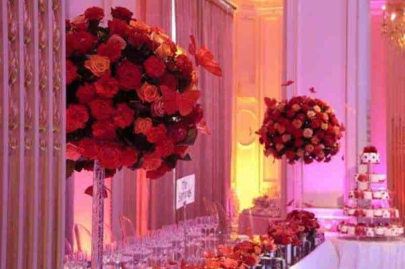 Expert floral advice for selecting your wedding flowers 2
