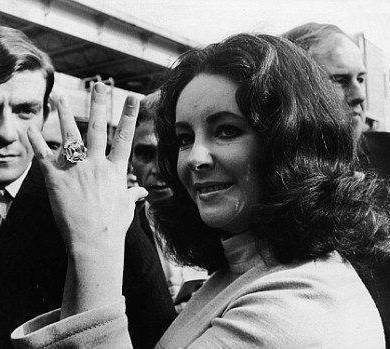 Steal Her Style: Elizabeth Taylor's Wedding Gift From Richard Burton