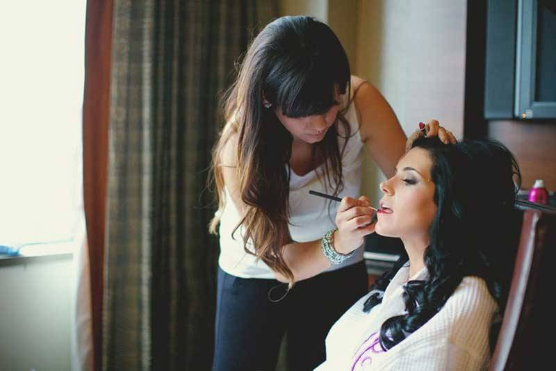 Bride Getting Ready Make up
