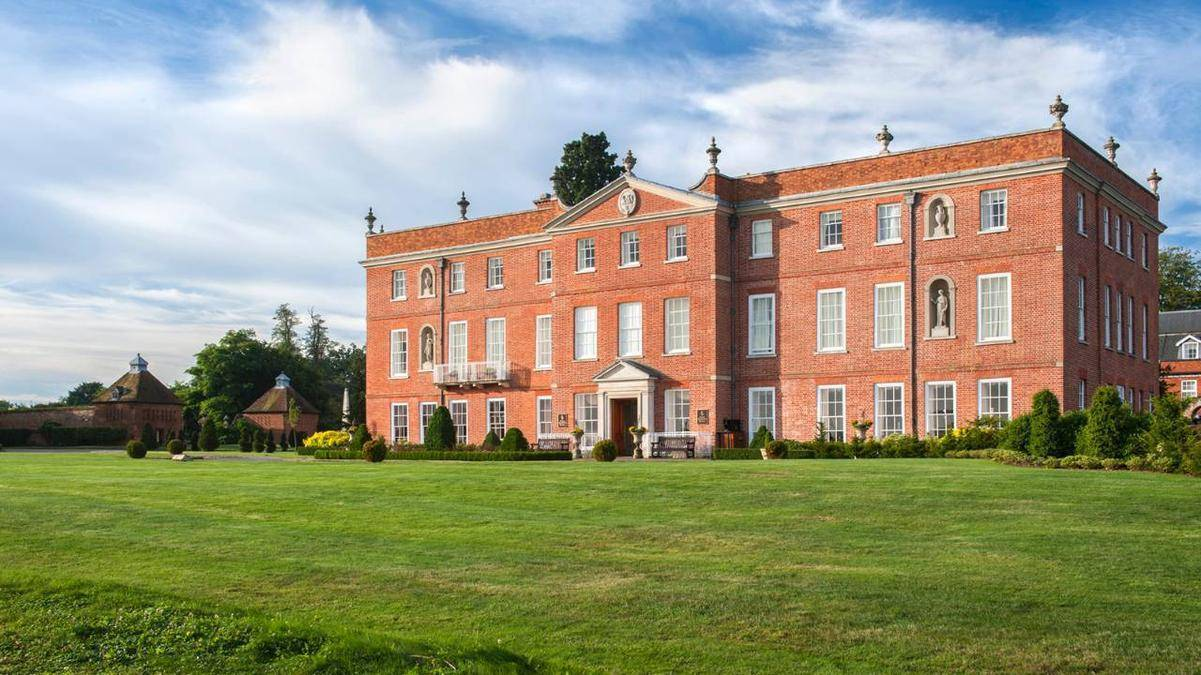 Four Seasons Hampshire Reviewed