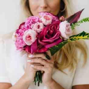 Should A Bride Follow Wedding Flower Trends?