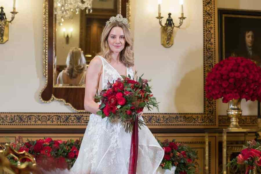 Roses are Red - A Valentine's Day Wedding Inspired Style Shoot