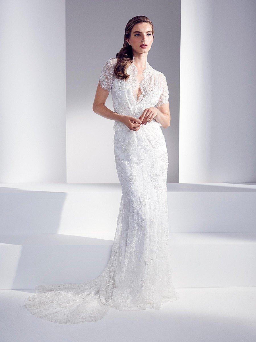 Wedding dress style: The Sheath shape
