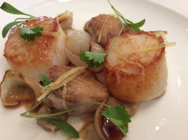 Roasted Scottish scallops, chicken wings, smoked aubergine, preserved lemon