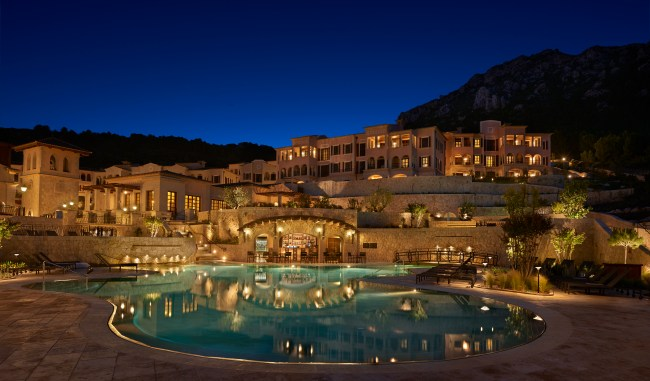Park Hyatt Mallorca pool view at night
