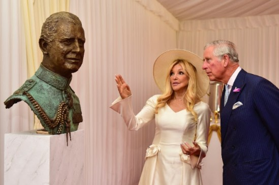 HRH The Prince of Wales at the unveiling of his bust by Frances Segelman Photo by Alastair Fyfe