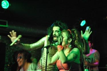 Conchita with La Plante Mutante, Bafo de Baco