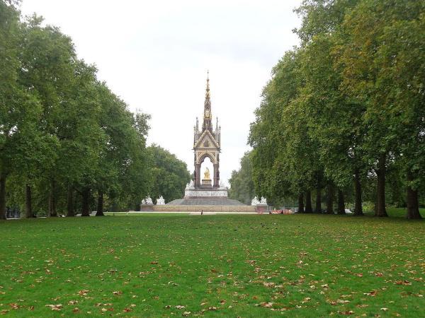 Albert Memorial Hyde Park London