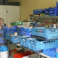 Lebensmittel-Container im Lager der Trierer Tafel - 5VIER