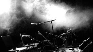 Konzert Musik Mikro Copy & Paste für Nachweis: Bildnachweis:  After the music  von Angus MacRae, CC BY - 5VIER