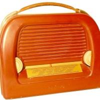 Ein schmuckes Stück Radiogeschichte: Ein Griff, zwei Knöpfe - Benutzerfreundlichkeit in Reinform (Foto: Stadtbibliothek Trier) - 5VIER