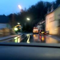 Auto Strasse Meldung - 5VIER