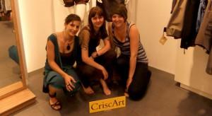 Crisca Daemgen (links) und ihre Schneidershandwerkerinnen. Foto: Anna Jank