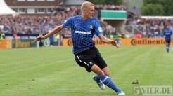 20110730 Eintracht Trier - St. Pauli, Kraus, Flanke zum 1:0, DFB Pokal, Foto: Anna Lena Bauer - 5VIER