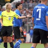 20110730 Eintracht Trier - St. Pauli, DFB Pokal, Bibiana Steinhaus, Foto: Anna Lena Bauer - 5VIER
