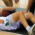 Nate Linhart im Kampf um den Rebound