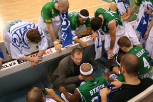 Nimmt sein Team in Schutz: Coach Henrik Rödl hofft auf Erfolge nach dem Allstar-Break. Foto: Vinzenz Anton