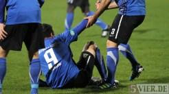 Eintracht Trier gegen Leverkusen II, Regionalliga West, Handschlag, Abelski, Foto: Anna Lena Grasmück - 5VIER