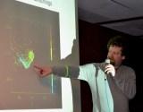 Matthias stahnke erklärt seine Theorien. Foto: 5vier - 5VIER