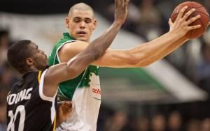 Maik Zirbes im Trikot der TBB. Vor einem Jahr ging er zu den Brose Baskets Bamberg, mit denen er am Sonntag Deutscher Meister wurde. Foto: Thewalt - 5VIER