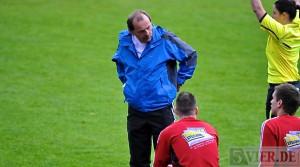 Ralingens Coach Peter Löw hofft auf die Kampfstärke seiner Elf (Foto: Andreas Gniffke)
