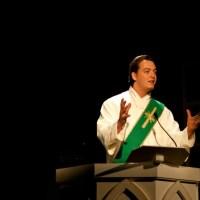 Der Priestermacher_Rezension_1_Artikelbild - 5VIER