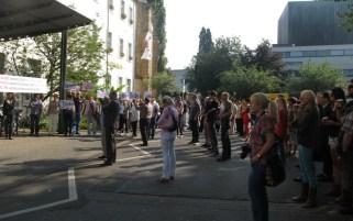 Übergabe Petition Theater Trier 2_bearbeitet - 5VIER