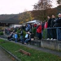 Hoffen auf den 3. Heimsieg in Folge- die Zuschauer des SV Mehring ( Foto: archiv 5vier - 5VIER
