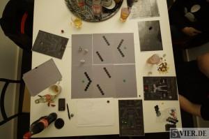 Das Spielfeld und die Spielblätter. Foto: Lars Eggers