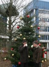 Freitag, 29.11.: Prof. Michael Jäckel und Andreas Wagner eröffnen den Weihnachtsmarkt. - 5VIER