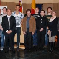 Die geehrten Bürgerinnen und Bürger mit Polizeipräsident Schömann (3. von links) und Oberbürgermeister Jensen (2. von rechts). Foto: Polizei Trier - 5VIER