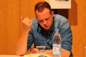 Wolff Fuss liest aus seinem Buch  Diese verrückten 90 Minuten  - 5VIER