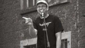Matthias Klass steht unter anderem am Samstagabend beim ersten Slam nach der Sommerpause in Trier auf der Bühne. Foto: Kultur Raum Trier